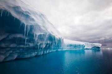 Plastik dan Zat Kimia Berbahaya Ditemukan di Pedalaman Antartika