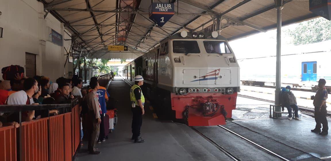 H-5 Lebaran, Tiket Tambahan Ludes Terjual di Stasiun Gubeng Surabaya