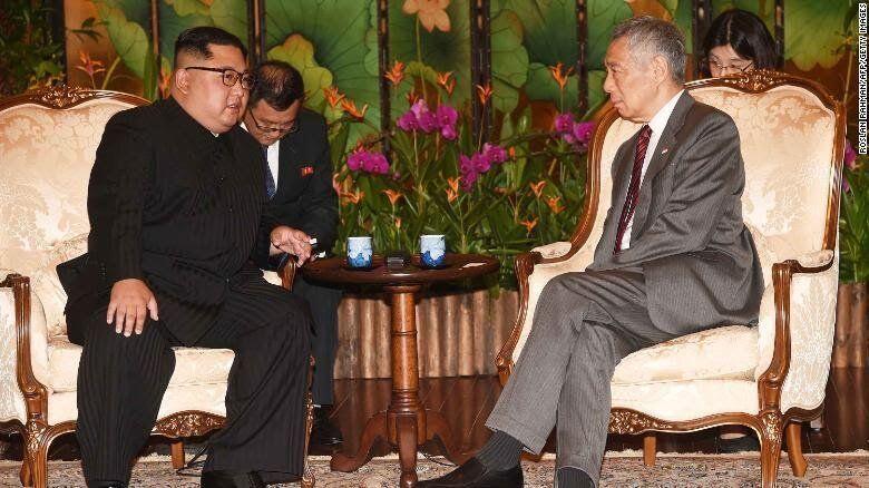 Lima Jam Setelah Kim, Trump Tiba di Singapura