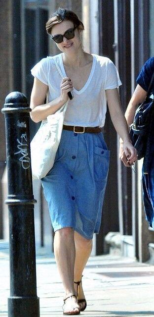 10 Gaya Boyish dan Feminin ala Aktris Inggris Keira Knightley