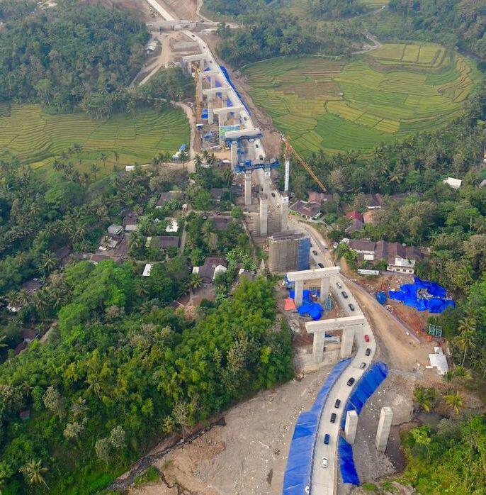 Miring 50 Derajat, KemenPUPR Pastikan Jalan Kali Kenteng Aman