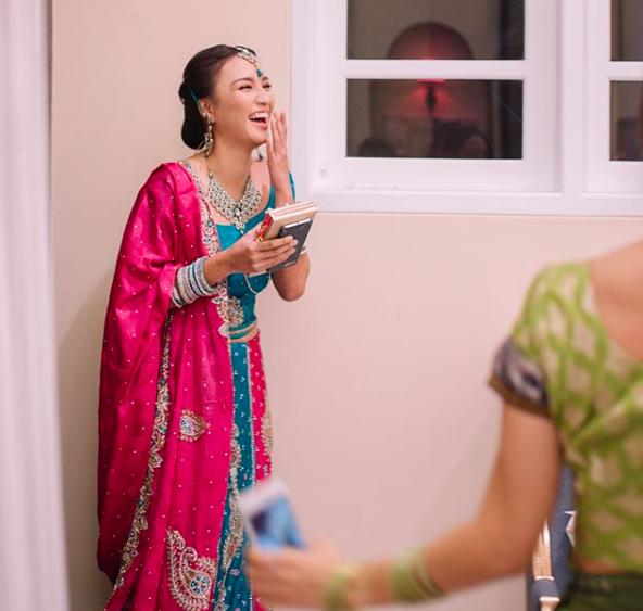 10 Momen Bahagia Bridal Shower Erica Putri, Bertema India