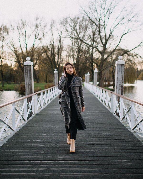 10 Style Fashion ala Adinia Wirasti Saat Liburan, Instagramable Abis!