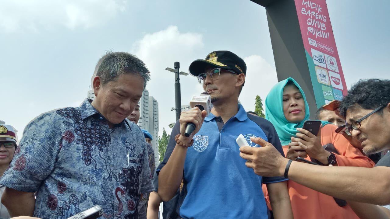 Lepas Pemudik di Monas, Sandi Berpesan Jangan Bawa Kerabat ke Jakarta