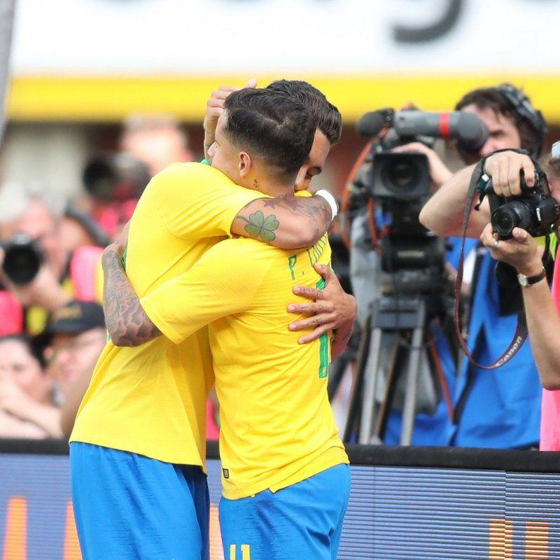 Firmino Tegaskan Ia Tetap Bersahabat dengan Coutinho