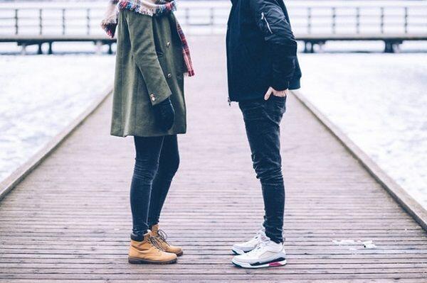 Girls, 7 Tanda Ini Menunjukkan Dia Hanya Menganggapmu Teman Biasa