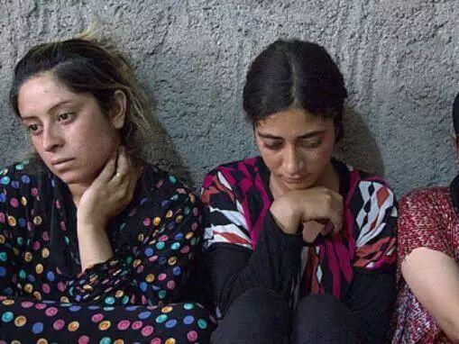 Kelakuan Sehari-hari ISIS, Wanita Dijadikan Budak Seks, yang Pria Dipaksa Perang!