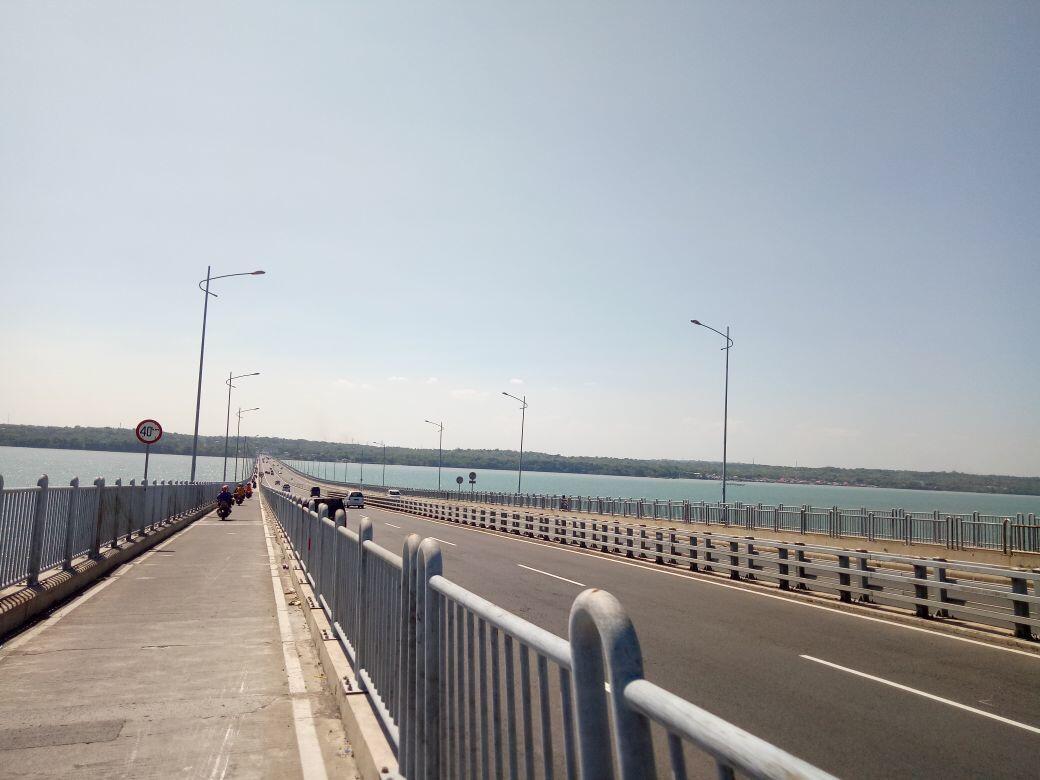 H-1, Jembatan Suramadu Terpantau Sepi
