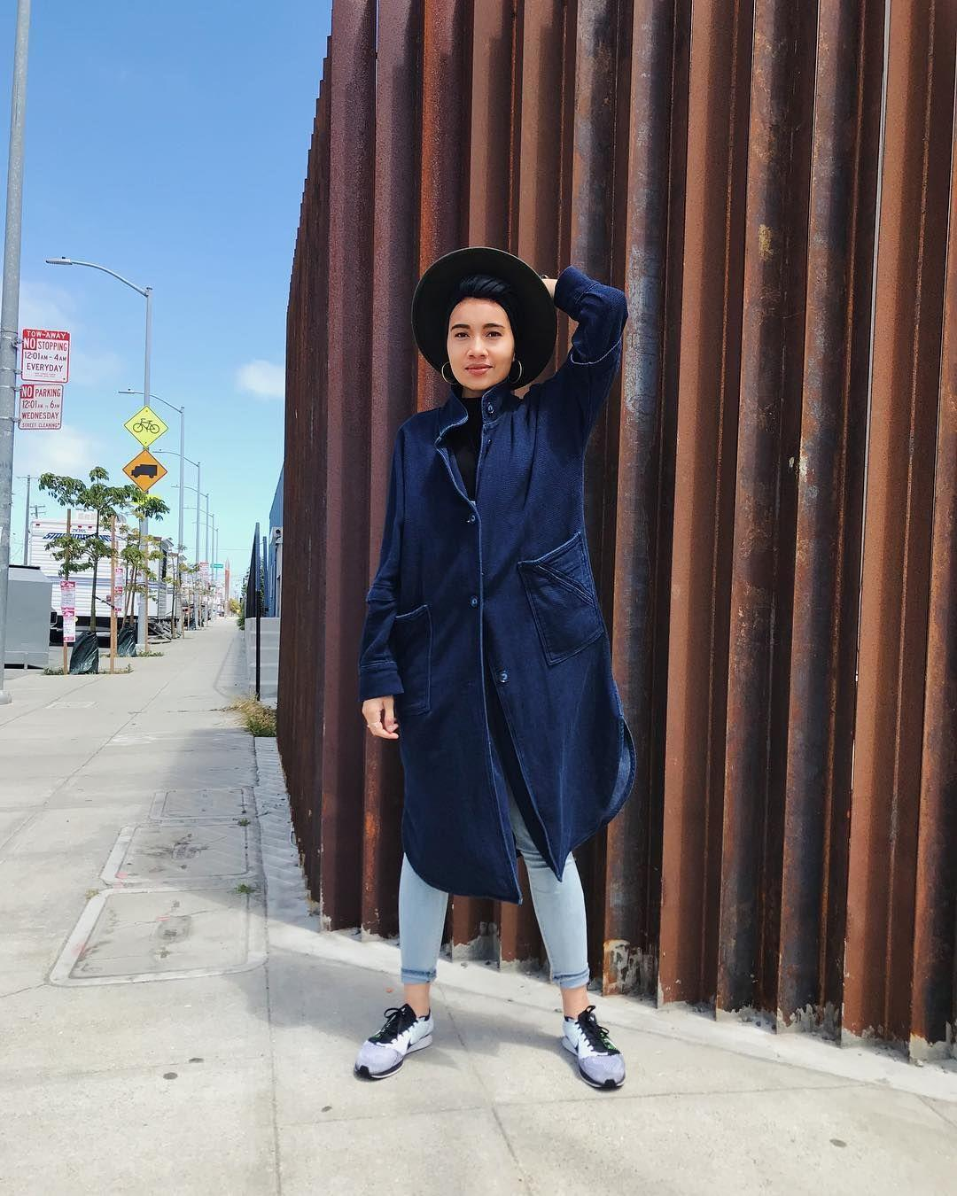 Contek Gaya Hijab Turban Penyanyi Yuna untuk Inspirasi Lebaranmu