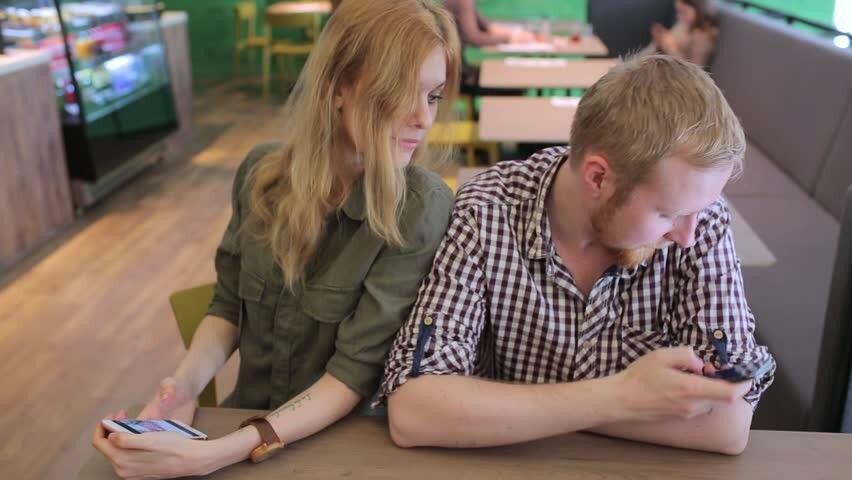Waspada, Ini 6 Sikap yang Tanpa Sadar Bisa Bikin Hubunganmu Retak!
