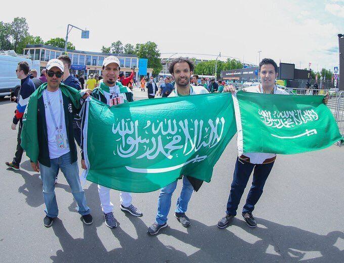 FOTO-FOTO: Suasana Moskow, Fans Arab dan Rusia Bersatu