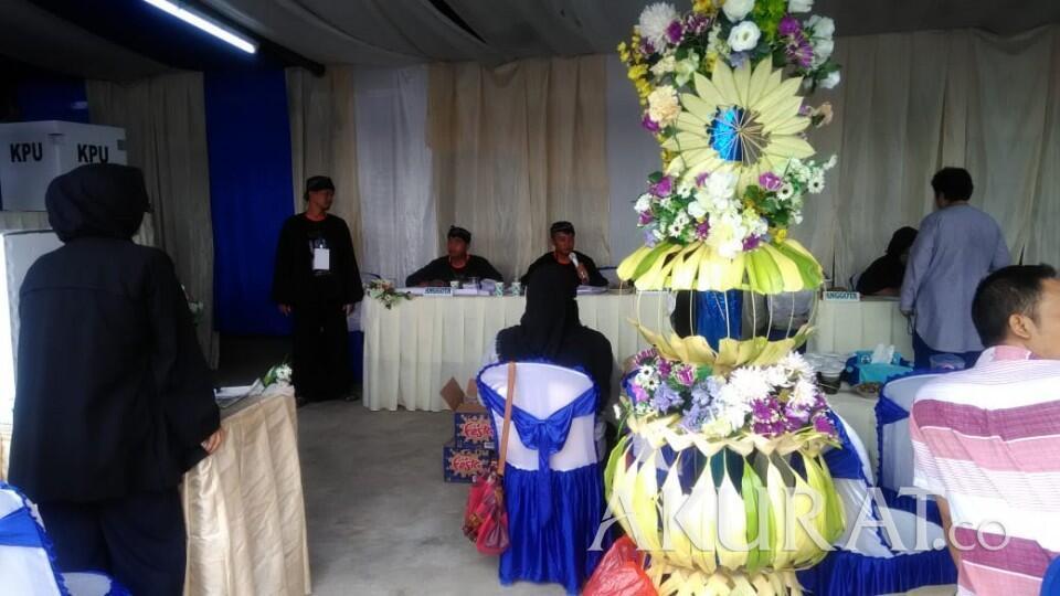 Nyoblos di TPS Ini Kok Serasa ke Acara Pernikahan