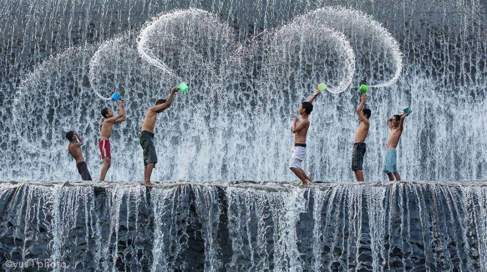 Masih Jernih, Ini 6 Hal Unik Masa Kecil Saat Berenang di Kali Kampung