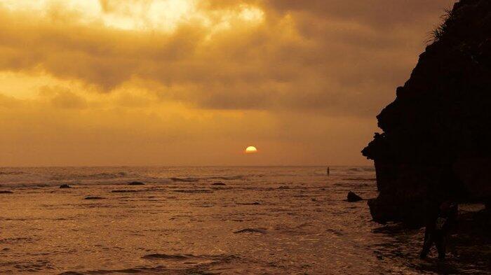 Indahnya Pantai Pok Tunggal Jogja ngga perlu jauh jauh ke bali