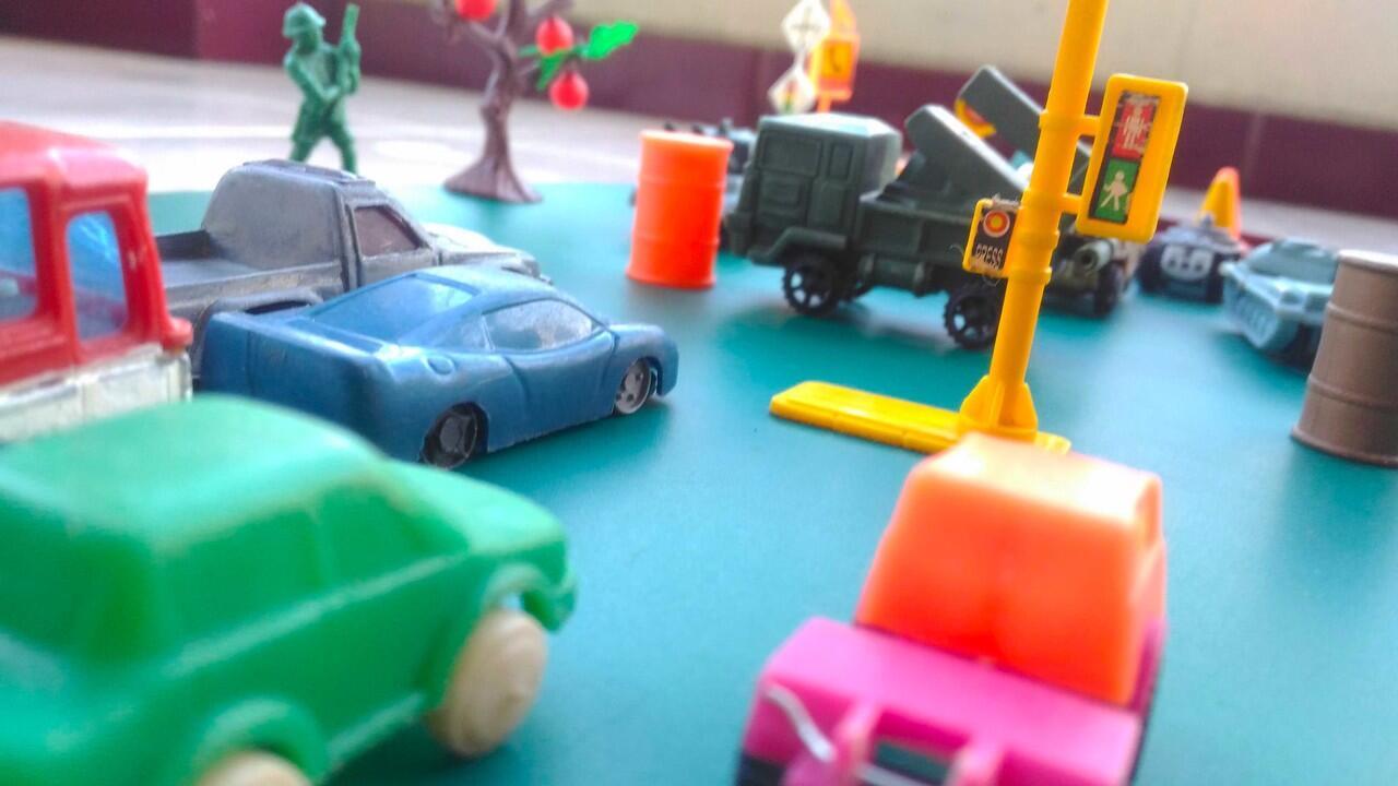 Aku dan Koleksiku | Terimakasih Mobil Mobil Plastik ku