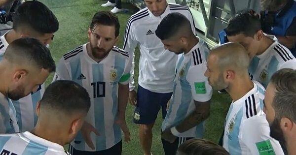 Pita Merah dari Seorang Ibu Menjadi 'Jimat' Messi di Piala Dunia 2018