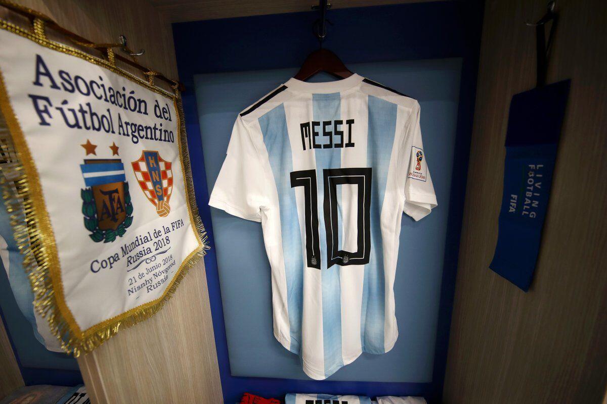Messi Dihujat Publik, Ini Pembelaan dari Sang Ibu