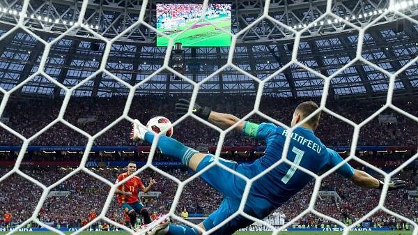 Top Player of the Match Spanyol vs Rusia: Igor Akinfeev