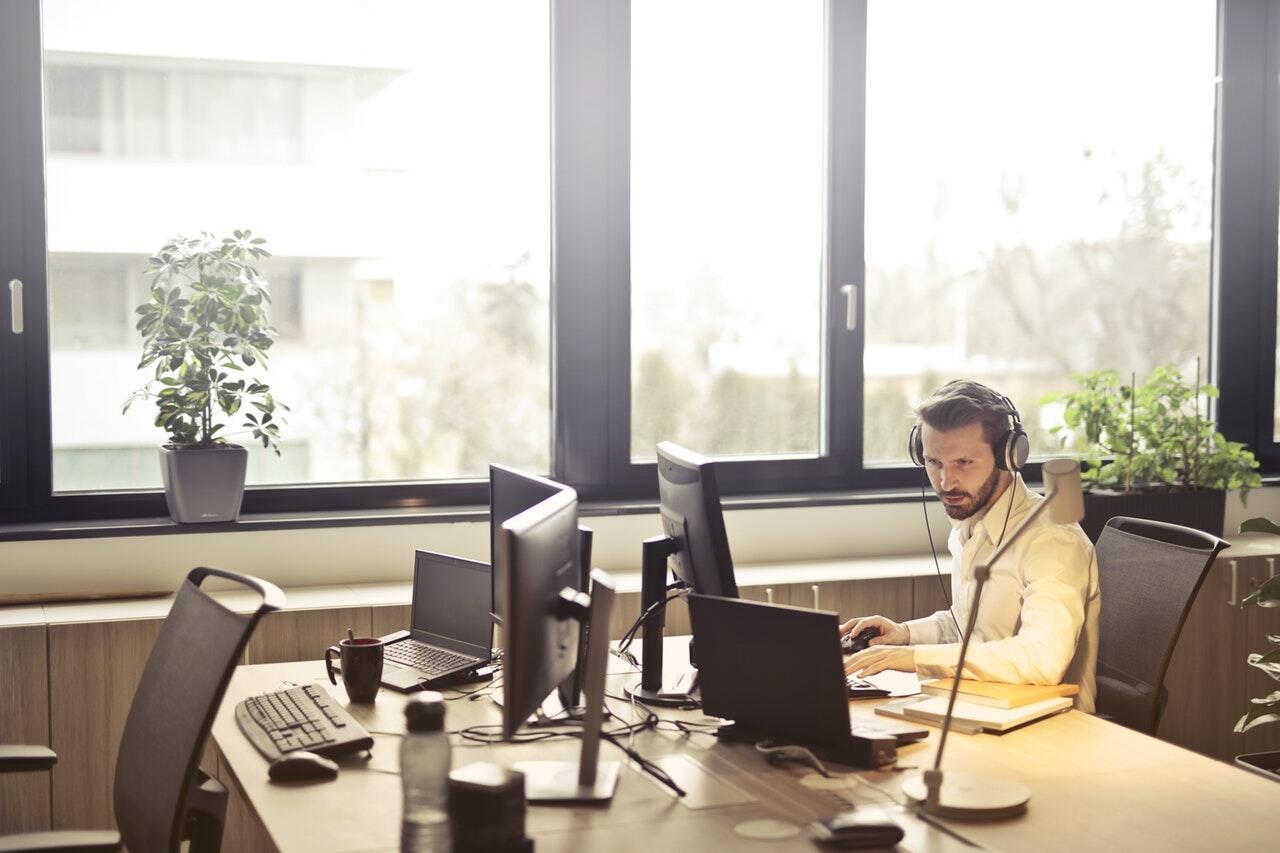 Apa Yang Dapat Memotivasi Karyawan Agar Giat Bekerja