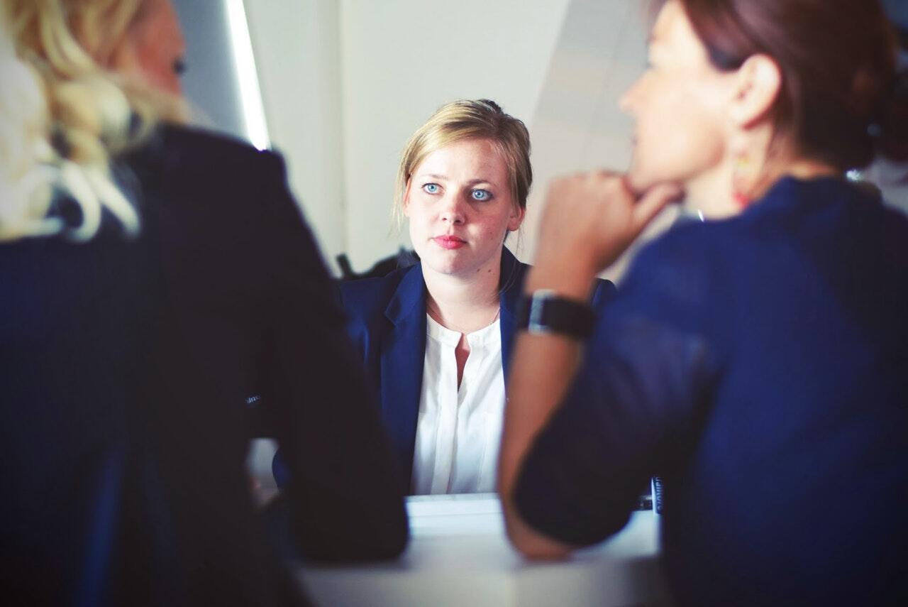 Cara HRD Mengatasi Karyawan Yang Sedang Bermasalah