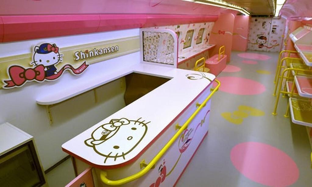 Super Unyu, Begini Tampilan Kereta Bertemakan Hello Kitty di Jepang