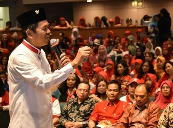 Dedi Mulyadi Sesalkan Pemecatan Guru yang Pilih Ridwan Kamil