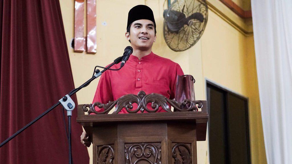 Perdana Menteri Malaysia Tunjuk Pemuda 25 Tahun sebagai Menteri