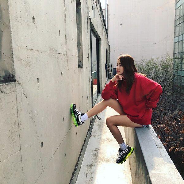 10 Gaya Athleisure Kece & Gak Ribet yang Bisa Ditiru Ala Sandara Park