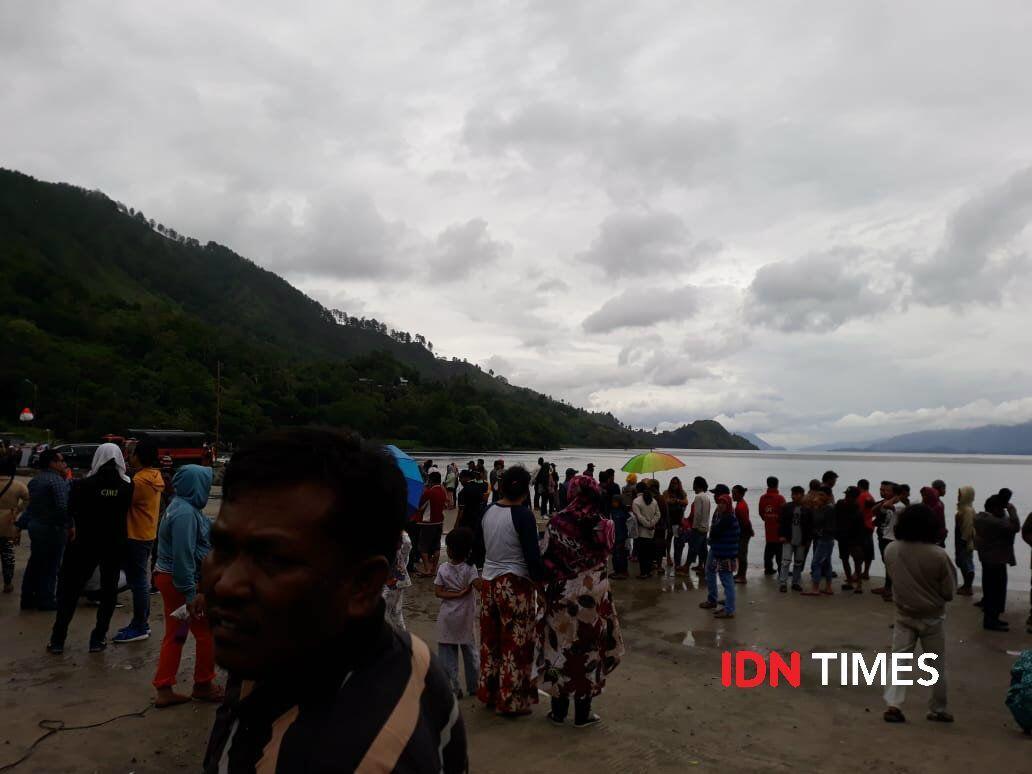 Pedagang di Posko Tragedi KM Sinar Bangun Raup Untung