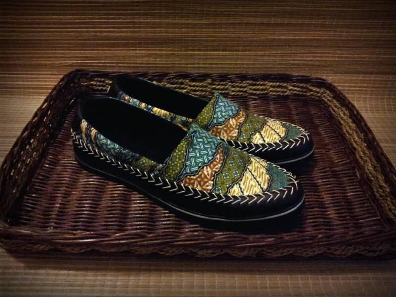 Kebapakan dan Suami-able, Rekomendasi Batik Cowok Ini Rugi Kalau Di-skip Doang!