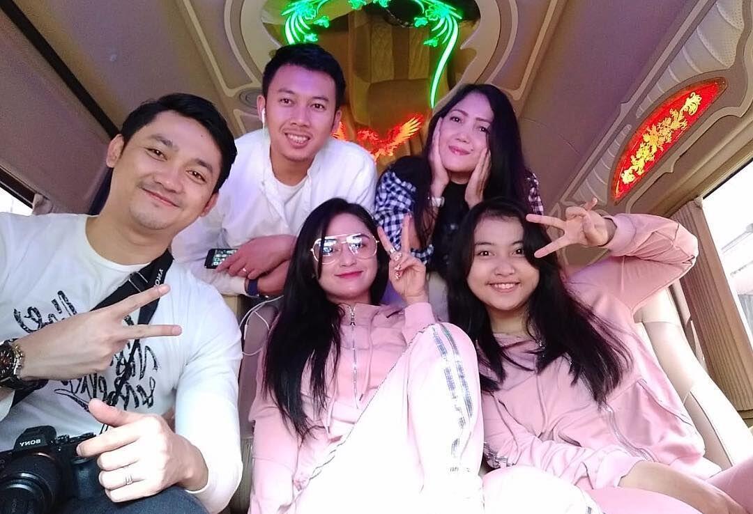 10 Potret Seru Liburan Dewi Perssik ke Thailand Bareng Suami, Cie Akur