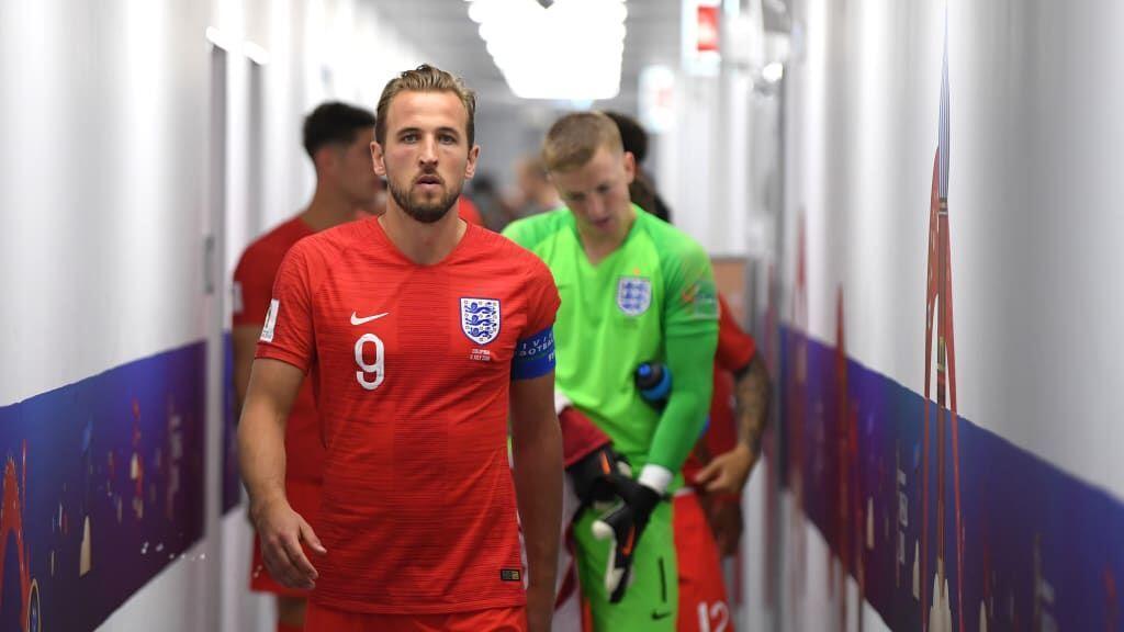 Jersey Merah Tentukan Kemenangan Inggris, Mitos atau Fakta?