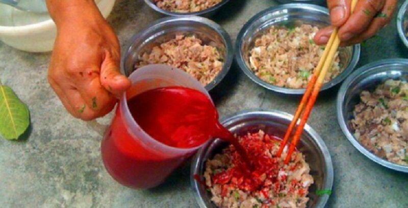 13 Makanan dari Berbagai Negara yang Terbuat dari Darah Hewan!