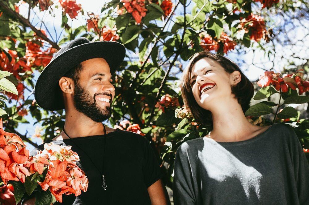 Buat Cowok yang Gak Biasa Bilang Cinta, Ini 9 Ide Romantis untuk Istri