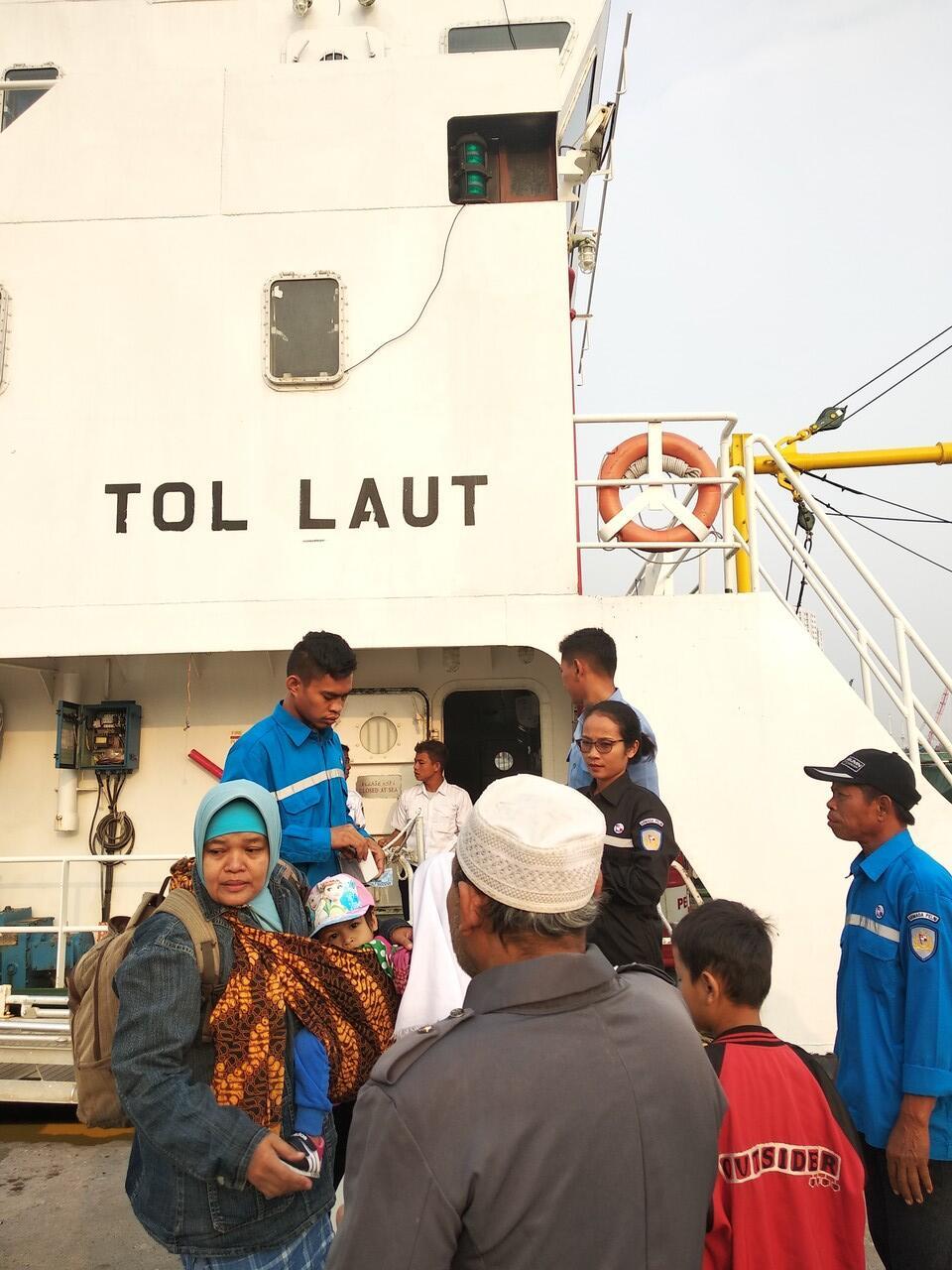 Trip Murah ke P Pramuka naik kapal PELNI cuma 15 ribu