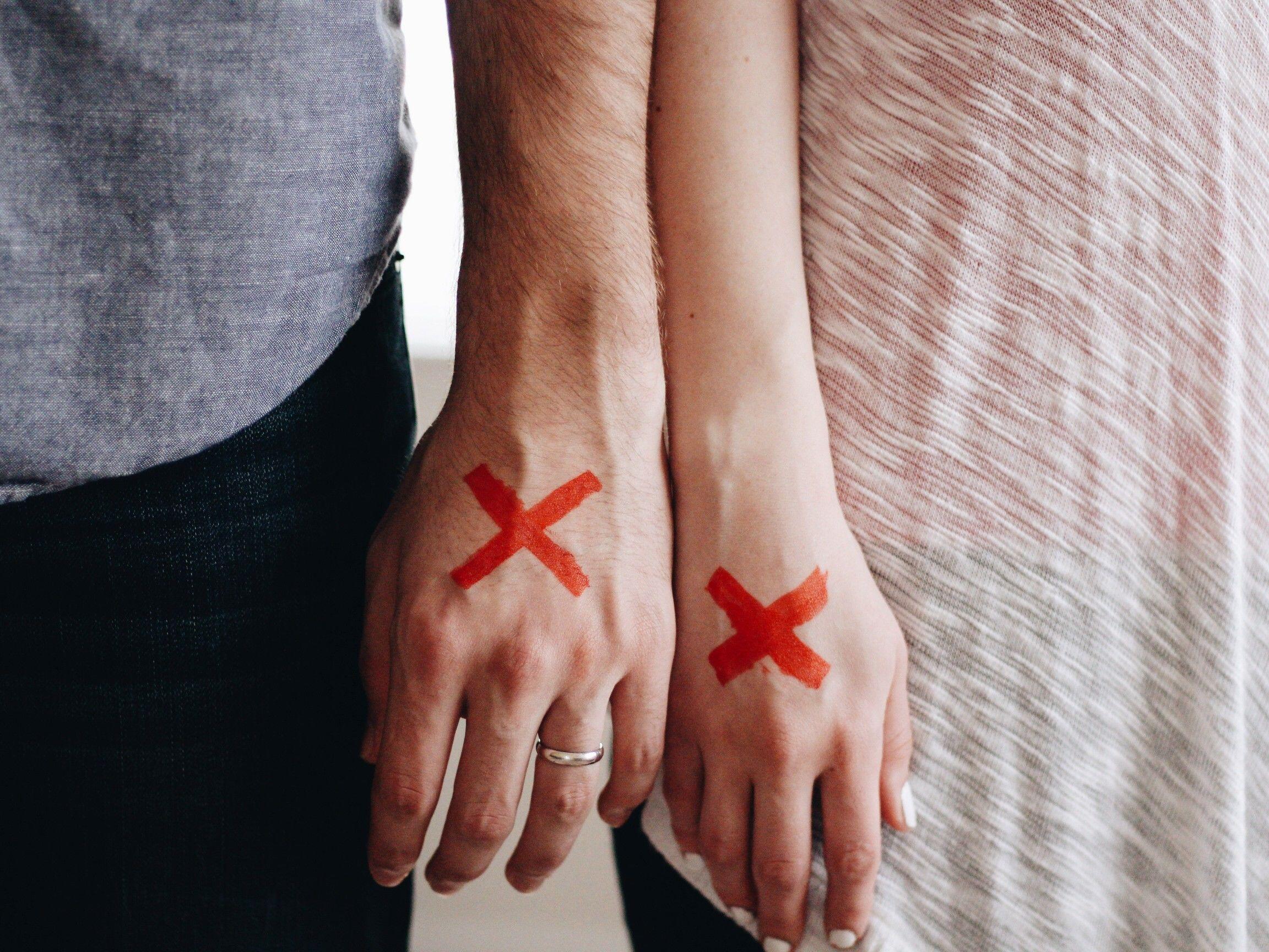 12 Cara Menjaga Hubungan dengan Sahabat Ketika Kamu Takut Jatuh Cinta