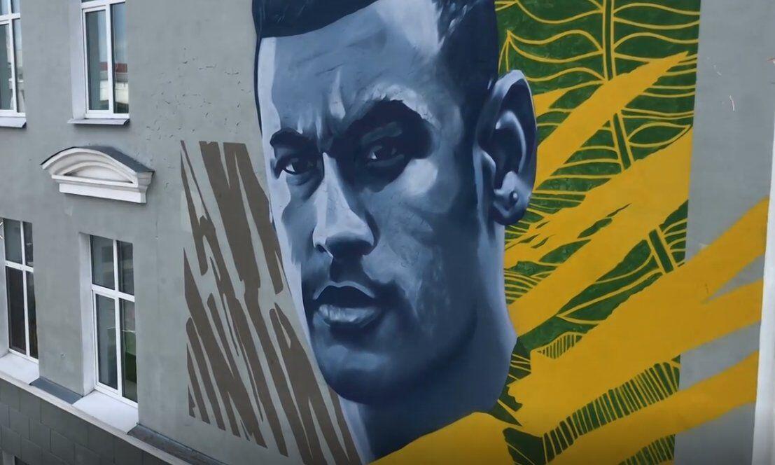 Setelah Ronaldo dan Messi, Kini Neymar Diabadikan di Mural Kota Kazan