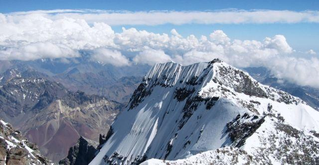 11 Fakta Gunung Jayawijaya di Papua yang Belum Kamu Ketahui