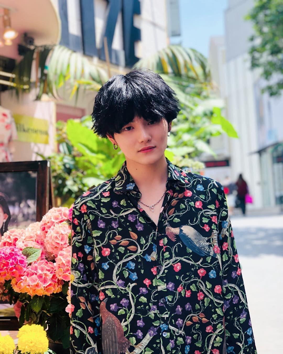10 Potret Kenji, Cowok Jepang yang Mirip V dan Suga BTS!