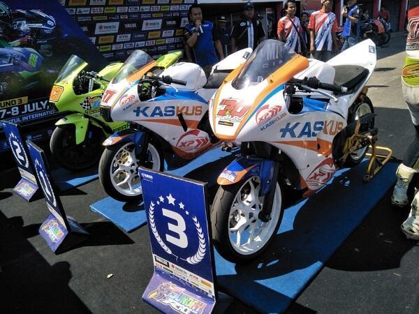 R25 Owner Community Kaskus (ROCK) Juara di Race 3 Sunday Race Sentul!