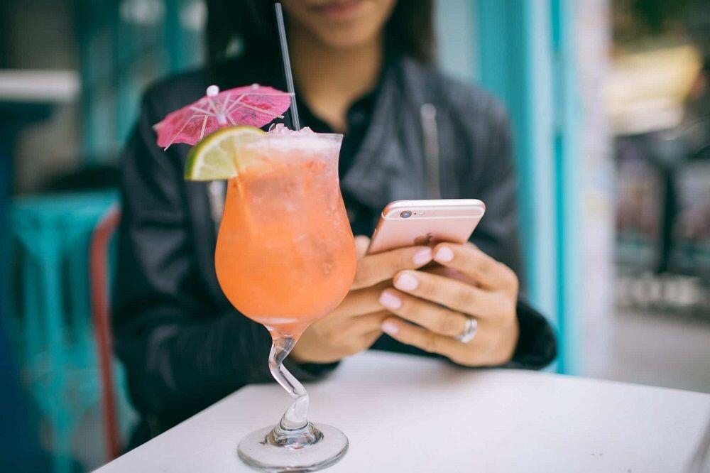 10 Negara yang Menghabiskan Waktunya Paling Lama untuk Minum & Makan
