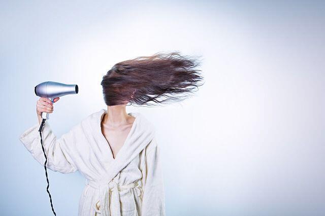 Bikin Rambut Rontok, 6 Kesalahan Gunakan Sampo yang Jarang Disadari!