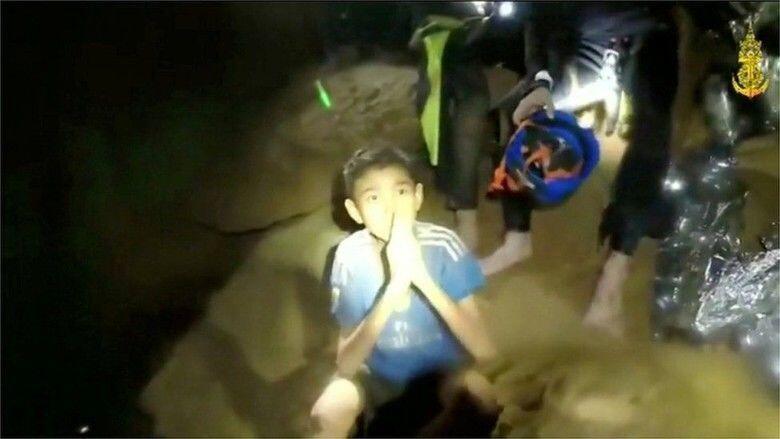 Drama Evakuasi, Tim Bola Junior Thailand Mulai Dikawal Keluar Gua