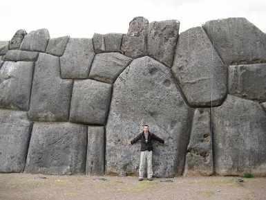 Luar biasa orang zaman dulu! Batu besar ini di potong menggunakan laser