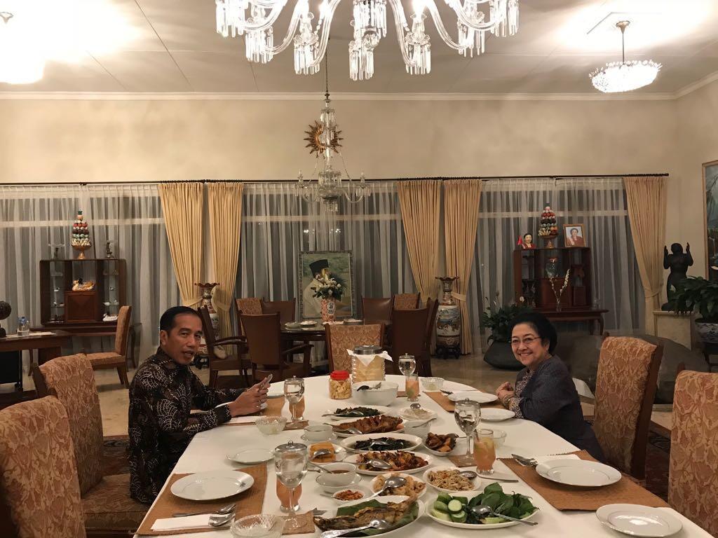Pertemuan Jokowi-Mega Menepis Isu Kerenggangan