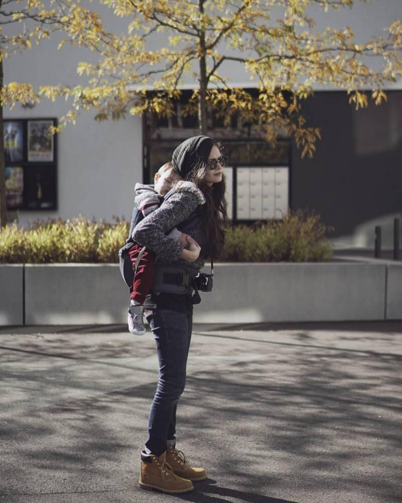 Calon Mama Muda Kudu Tahu 9 Gendongan Bayi Kekinian Ini. Baby Nyaman, Mama Cetar!