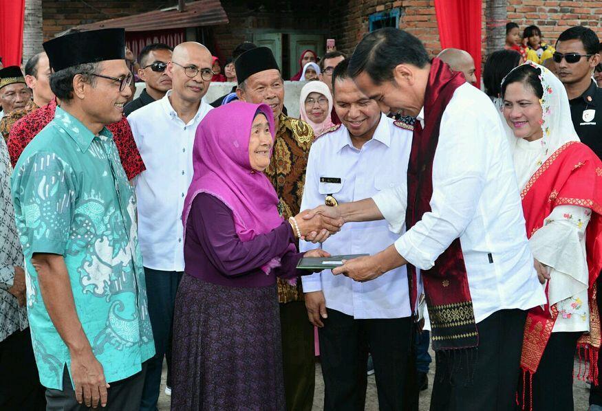 Jokowi Kantongi Nama Cawapres, PDIP: Pengumuman Menunggu Cuaca Cerah