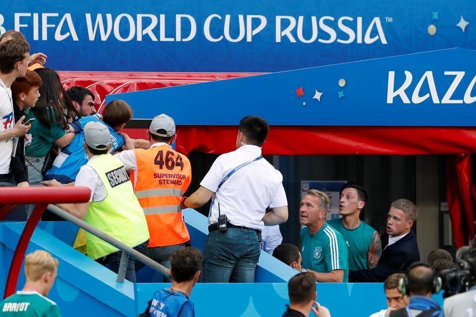 Ayah Ozil: Lebih Baik Mesut Mundur dari Timnas