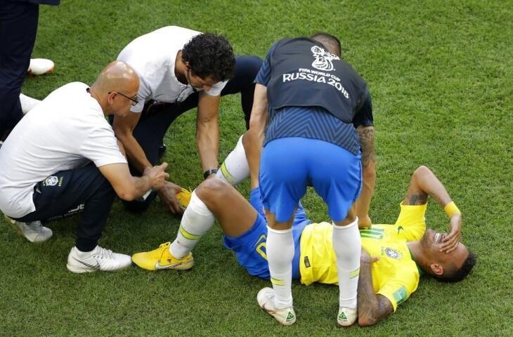 Meskipun Brasil Tersingkir, Video Neymar Challenge Ini Justru Jadi Viral #SundulDunia