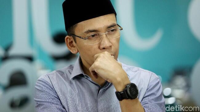 TGB Dukung Jokowi dan Bingungnya Amien Pada Tokoh Pindah Posisi